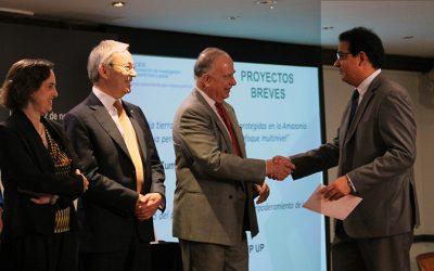 Investigador del CIUP gana concurso anual de investigación CIES 2015